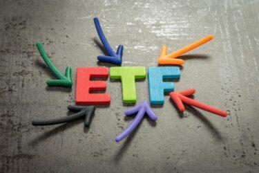 ETFの積立投資の始め方は?投資信託との違い・おすすめ銘柄2選