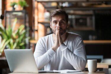 【体験談】投資信託で大損する理由とは?失敗から学ぶ対策とおすすめの投資方法
