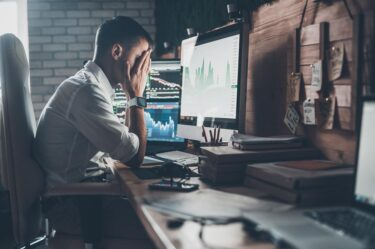 【体験談】投資信託に失敗したらどうなる?失敗する人の共通点と事例から学ぶポイント